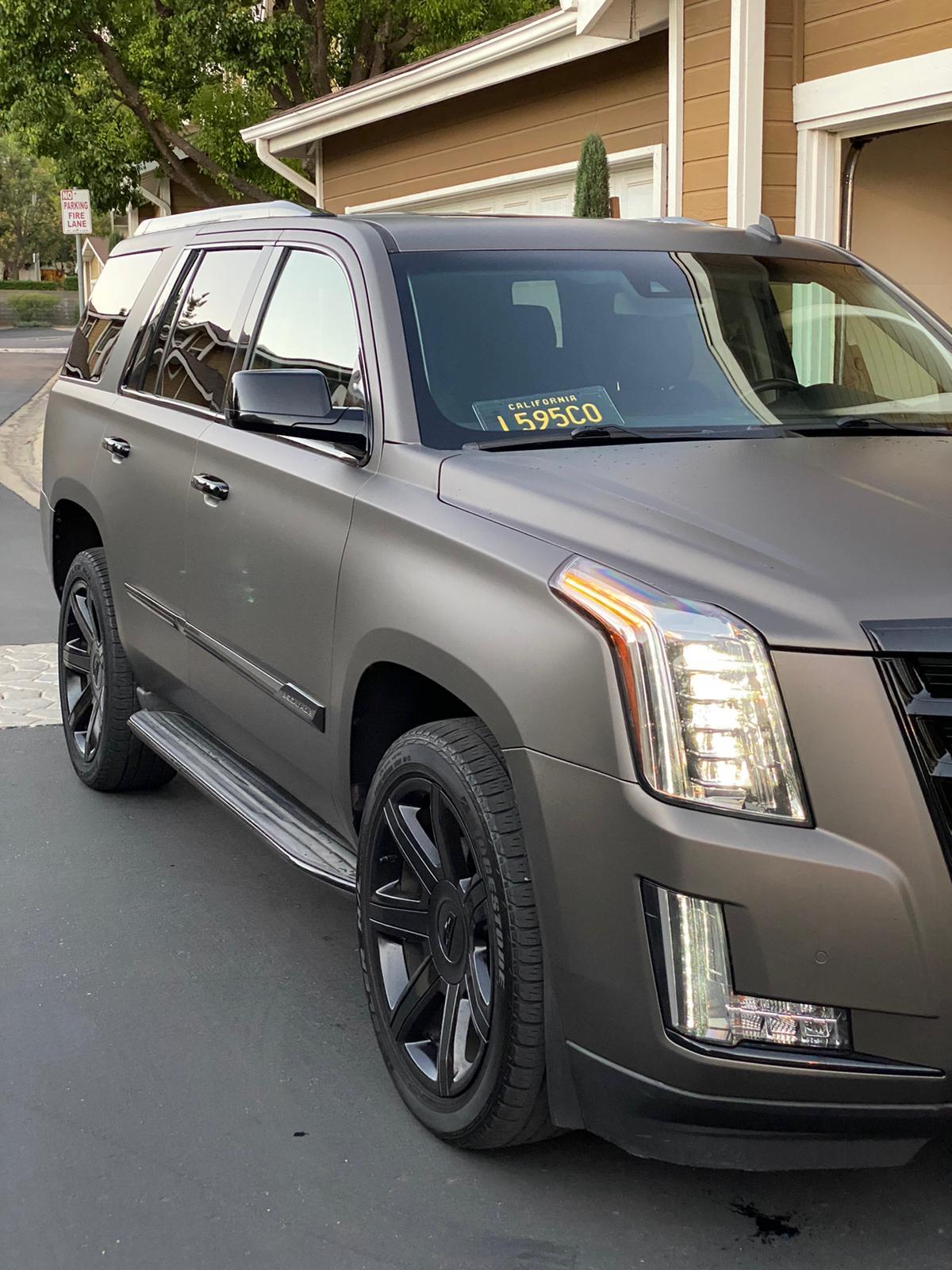 2015 Cadillac Escalade - photo 2