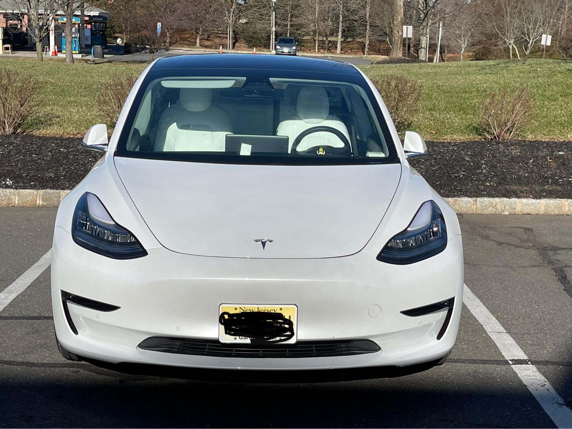 Tesla Model 3 - photo 0