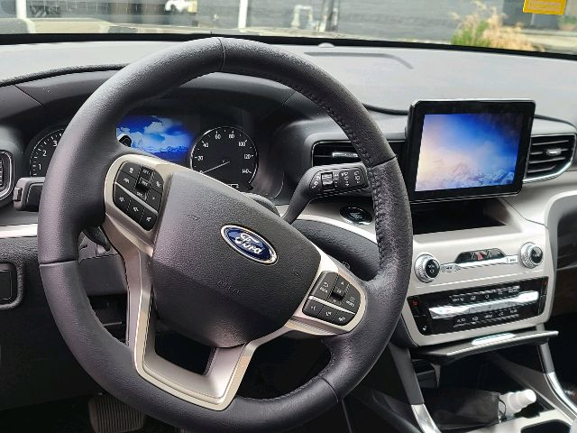2020 Ford Explorer - photo 3