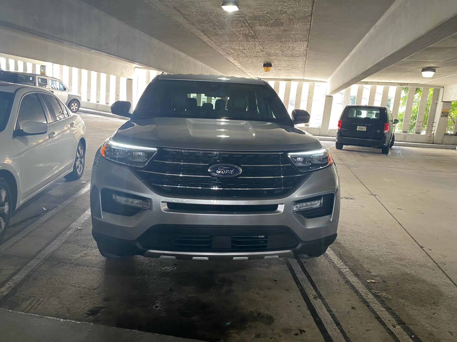 2020 Ford Explorer - photo 1