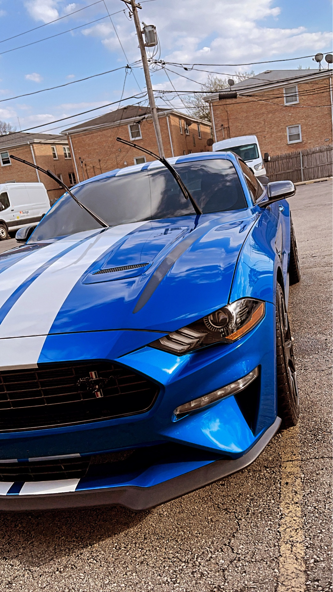 2020 Ford Mustang - photo 2