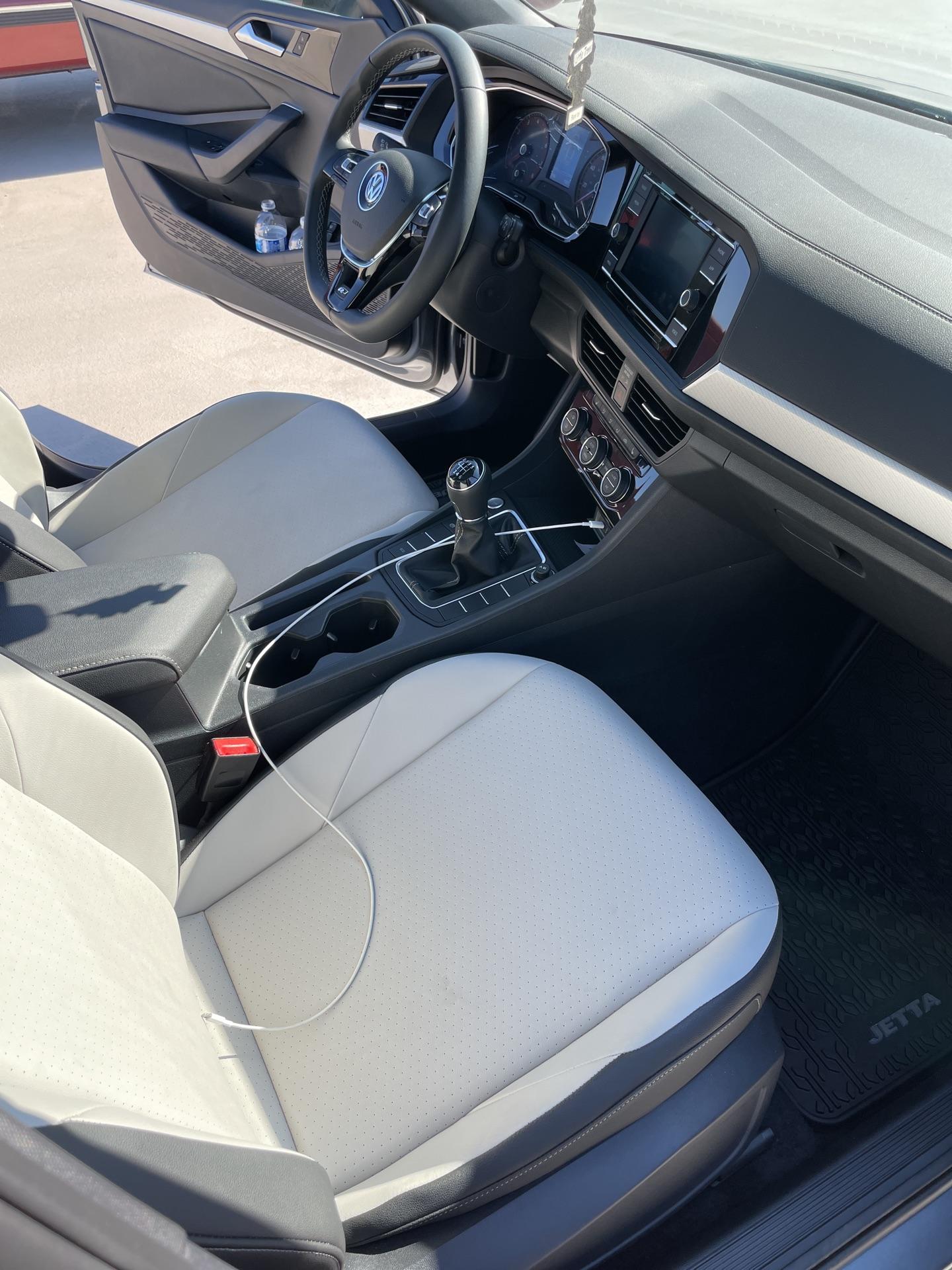 2021 Volkswagen Jetta - photo 4